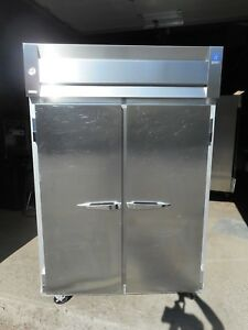 Mccall 2 Dr Commercial Freezer 115v Casters 8 Shelves Impeccable Condition
