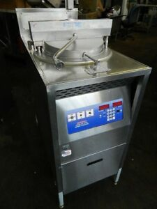 Broaster Model 1800e Broaster Pressure Fryer Built in Filter System 42lbs Chickn