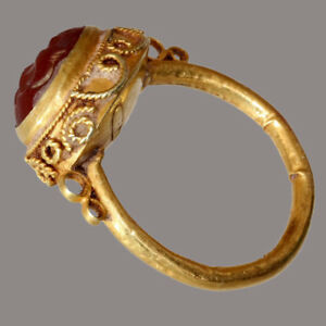 Kushans Gold Foil Seal Ring With A Carnelian Stone 100 200 Ad