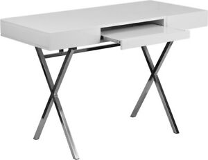 44 25 w X 21 625 d White Computer Desk With Keyboard Tray And Drawers Nan