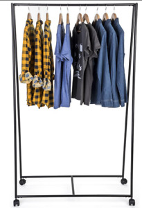 Industrial Metal Mobile Retail Single Garment Rail Triangle Display Rack