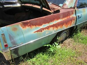 70 Cadillac Deville 4 Door Right Passenger Rear Quarter Center Trim Molding 1970