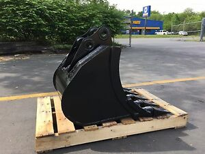New 24 Heavy Duty Excavator Bucket For A Jcb 8035 With Pins