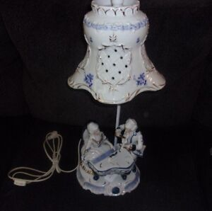 Vintage Porcelain Blue And White European Couple Playing The Piano Lamp