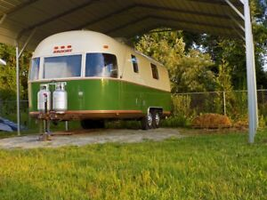 Custom 1976 Argosy Airstream Food Trailer Food Truck Turnkey Solar Ready