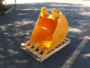 New 24 Case 580n Backhoe Bucket With Coupler Pins