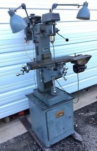 Clausing Milling Machine Upright Model 8520 With Accessories