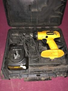 Dewalt Dc958 18volt 3 8 Cordless Drill Drill Charger Case No Battery