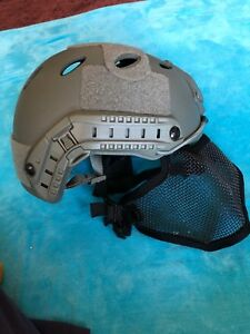 Airsoft Tactical Fast Helmet & Adjustable Half Face Mesh Mask & Goggles