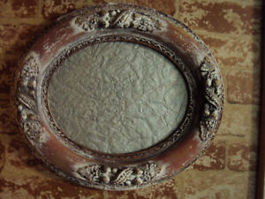 Vintage Wood Oval Picture Frame With Glass Holds 9 5 X 7 5 Picture