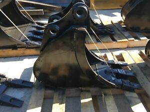 New 12 Heavy Duty Excavator Bucket For A Takeuchi Tb035