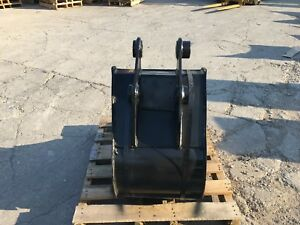 New 18 Heavy Duty Excavator Bucket For A Takeuchi Tb250 W Coupler Pins