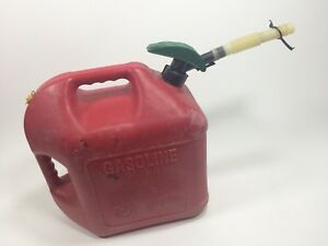 5 Gallon Blitz Gas Can Vented Fuel Lever Action Spout Safety Non Spill 900900