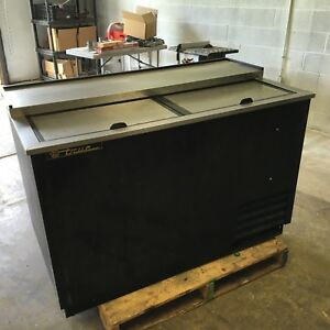 True td 50 18 50 Black Beer Bottle Cooler Bar Refrigerator