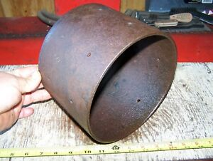 Old Ihc Famous Titan 2 Hp Cast Iron Belt Pulley Hit Miss Gas Engine Magneto Nice