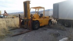 20 Ton Towmotor Forklift Great Condition Runs Well