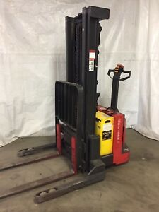 2007 Raymond Walkie Stacker Straddle Walk Behind Forklift Jack 24v Electric