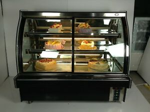 48 220v Refrigerated Cake Showcase Bakery Display Cabinet Open The Front Door
