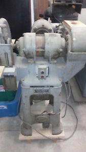 Yates American 15in disc 6x59 belt Sander