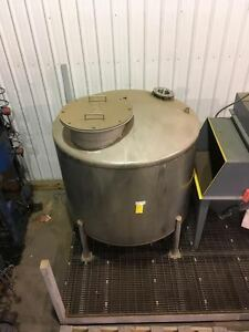 Stainless Steel Tank Large 1 500 Gallon Industrial 96 Tall 72 Wide
