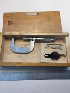 Starrett 1 2 Outside Micrometer T1212 With Box Standard Wrench T571