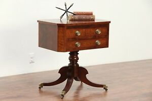 Regency Style Mahogany Curly Maple Lamp Or Hall Table Nightstand 29504