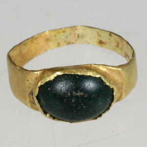 Intact Greek Gold Ring With Nice Unknown Green Stone Circa 300 100 Bc