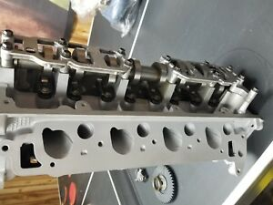 A Pair Of 1997 Ford 4 6l Vin W 2 Valve Cylinder Heads