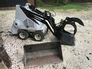 Ramrod Estate 500 Mini Skid Steer Loader very Low Hours Works Great dingo