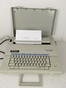 Smith Corona Xl 2500 Typewriter word Processor Spell right French Cad W Ribbon
