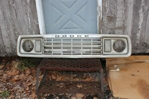 1977 1978 Dodge Pickup Truck Grille