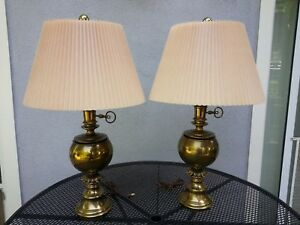 Rare Pair 2 Stiffel Hollywood Regency Trophy Ball And Acanthus Brass Lamps 32