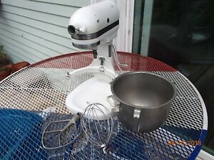 Kitchenaid K 5 A Mixer Includes Whip Bowl Paddle Works Good