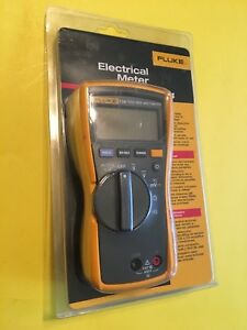 Fluke 114 Compact Electrical True Rms Digital Multimeter Cat Iii 600v New