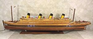 Vtg Rms Titanic Ship Wood Model With Base W Flashing Lights Ones Inside Hull