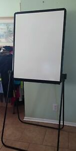 Quartet Unimate Easel Whiteboard flipchart 26x34 Inches Reversible Black Fra