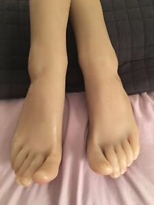 New Girls Realistic Wheat Color Dark Dancer Feet Silicone Mannequin Foot Model