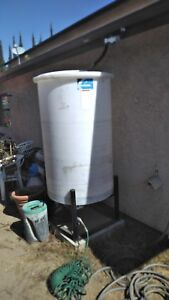 250 Gallon Liquid Water Tank With Mounting Base