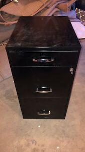 Filing Cabinet 3 Drawer Great Condition