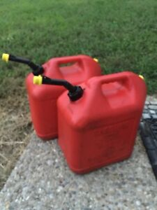2 Blitz 5 Gallon Plastic Vented Gas Fuel Can Spout With Yellow Cap Vented 1a