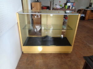 Retail Store Display Case With Glass Shelves
