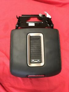 Reduced 15 17 Gmc Yukon Center Console Lid Charging Armrest 84329306