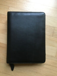 Classic black Full Grain Leather Franklin Covey Zip Binder 7 1 5 Rings
