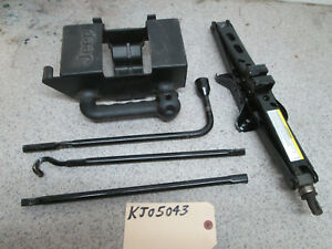 02 07 Jeep Liberty Complete Factory Jack Set With Holder And Other Tool Pieces