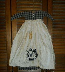 Primitive Wall Decor Dress Black Plaid W Apron Spider Web Wreath Goth Grungy