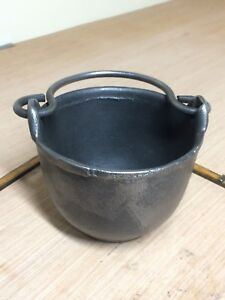 Vintage Eclipse No. 5 Cast Iron Lead Smelting Pot - Clean And Ready For Use
