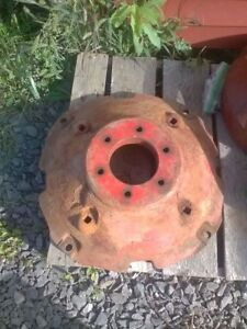 Ih Farmall Super A 100 130 Tractor Right Rear Wheel Hub Weight Local Pickup Only