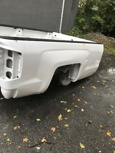 2014 2015 2016 2017 2018 Chevy Silverado 8ft Truck Bed Tailgate Left Taillight