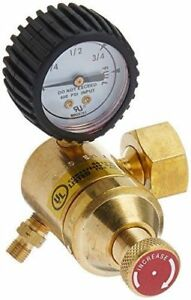 Goss Ea 1g Acetylene Regulator With a Hose Fitting And b Acetylene Tank Conn