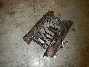 Jeep Grand Cherokee Wj 99 04 Driver Electric Seat Base Track No Memory Slider